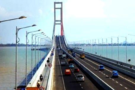 Jembatan Suramadura, ruang terbuka masuknya nilai globalisasi