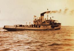 Sebuah kapal di pelabuhan Kalianget