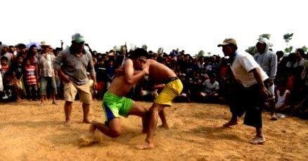 tradisi okol masyarakat madura