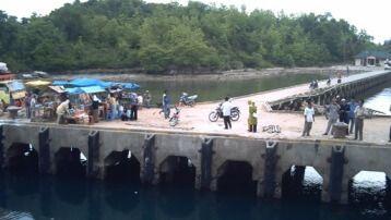 Pelabuhan Batu Guluk Kangean
